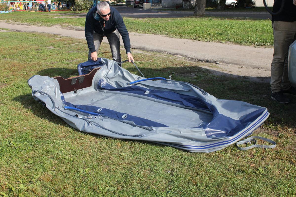 Как накачать надувную лодку